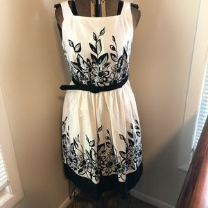 London Times Princess Sleeveless Dress 10 Belt